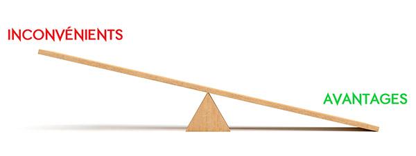 balance-avantages-inconvenients-courtier