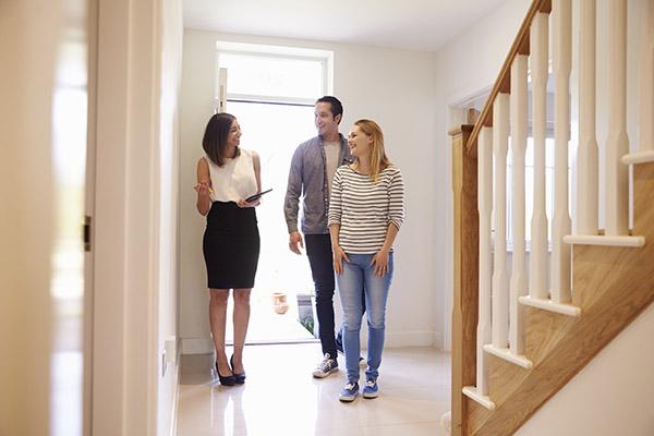 avantages-vendre-maison-au-quebec-avec-courtier