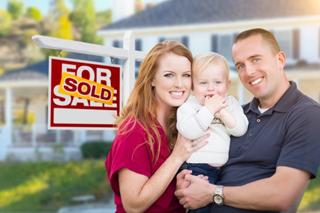 couple heureux vendre maison