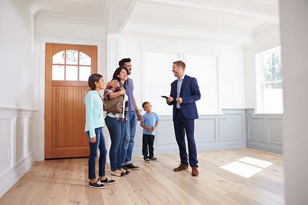 agent-immobilier-laval-trouver-maison-acheter-vendre